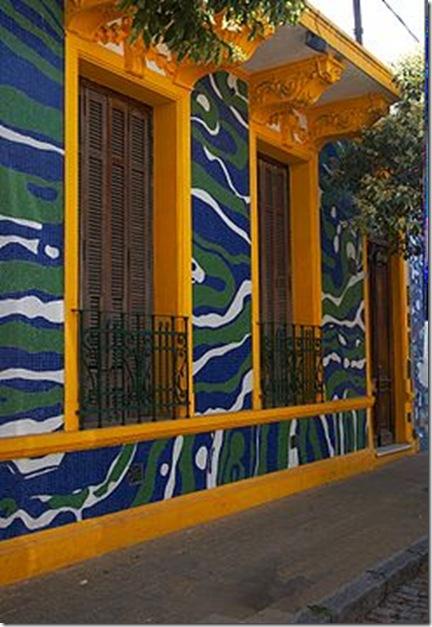 245px-Buenos_Aires_-_Barracas_-_Calle_Lanín_-_20071215o