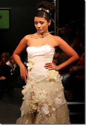 Vestidos de noiva de Cristina Lopes vestido com flores para casamento noivas Estilistas criadores de moda casamentos Portugueses 2010 casar em Portugal 2011