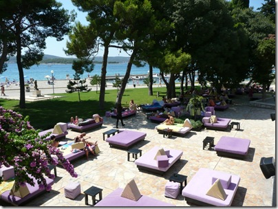 Croatia Online - Lavendar Bed Bar, Biograd