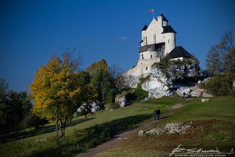 Zamek w Bobolicach. I wciąż się nie mogę zdecydować czy odbudowano zamek, czy też zburzyli wspomnienia.