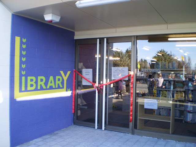 Opening Day Waipawa Library 2010