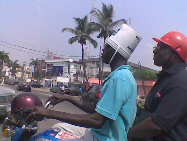 Photos that need no words to laugh - Bucket helmet