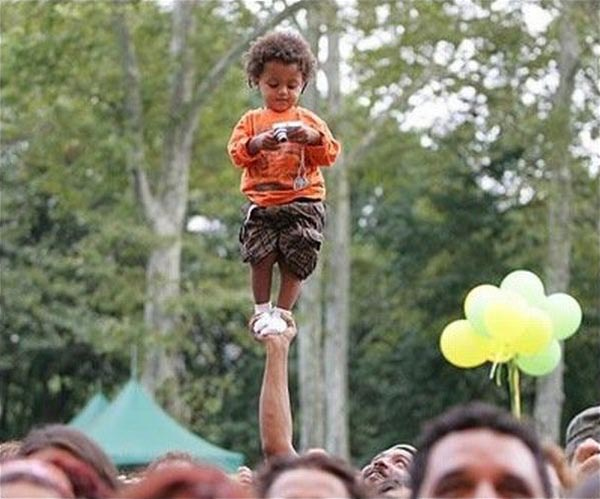 Photos that need no words to laugh - The tallest kid