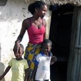 La femme africaine : Un continent sur les épaules