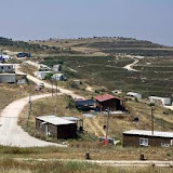 A general view shows the Havat Gilad outpost, west of the Palestinian city of Nablus, on May 27, 2009. Israeli Prime Minister Benjamin Netanyahu has said he is willing to tear down settlement outposts in return for US backing on its stance on arch-foe Iran, local media reported on May 26. Settlement outposts in the occupied West Bank, which Israel seized from Jordan in the 1967 Arab-Israeli war, are those built without Israeli government approval. However, the international community considers all Jewish settlements on occupied land illegal.  AFP PHOTO/JONATHAN NACKSTRAND