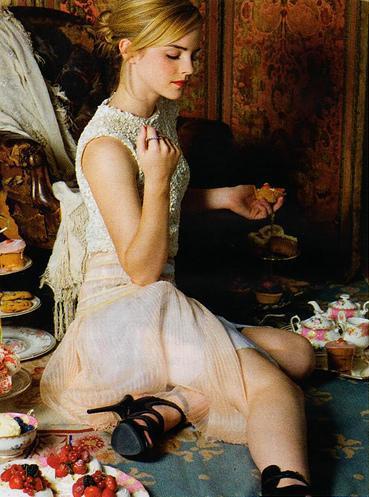 Sexy Emma Watson on Russian Elle Magazine. Emma Watson Sexy Magazine Pic