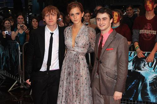 Emma Watson Premiere 2009. By marria · July 7, 2009 · 0 Comments · 0 Views. LONDON, ENGLAND - JULY 07: (L-R) Rupert Grint, Emma Watson and Daniel Radcliffe attend the world premiere