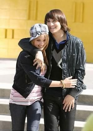 emily and mitchel pretty cool couple