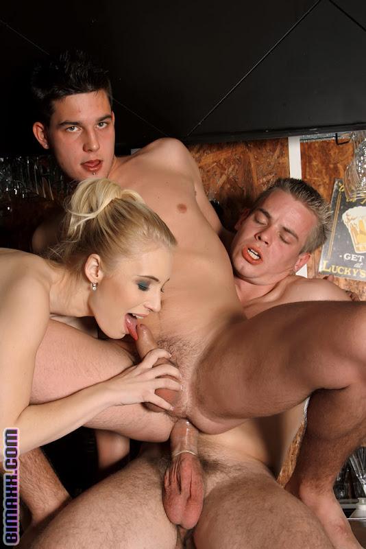 porno-zhena-trio