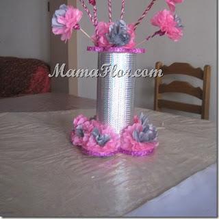 CENTRO DE MESA: Flores de Papel y Material de Reciclaje, paso a paso