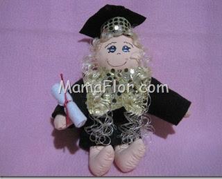 Como hacer una muñeca de graduación.