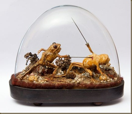 french-time-capsule-mansion-maison-mantin-frogs-diorama_32088_600x450[1]