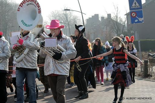 carnavalsoptocht josefschool 04-03-2011 (9).JPG