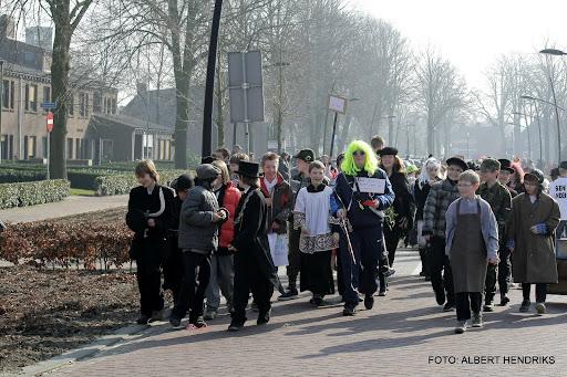 carnavalsoptocht josefschool 04-03-2011 (13).JPG