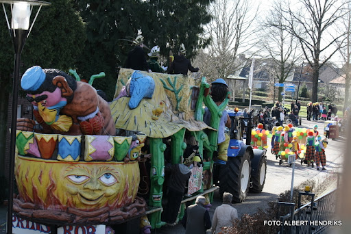 overloon carnaval optocht  06-03-2011 (74).JPG
