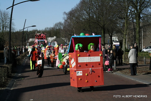 overloon carnaval optocht  06-03-2011 (105).JPG