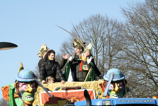 overloon carnaval optocht  06-03-2011 (125).JPG