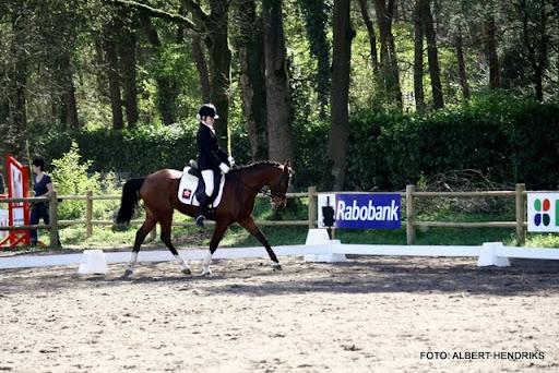 dressuurwedstrijd pony's overloon 09-04-2011 (10).JPG