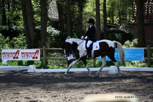 dressuurwedstrijd pony's overloon 09-04-2011 (21).JPG