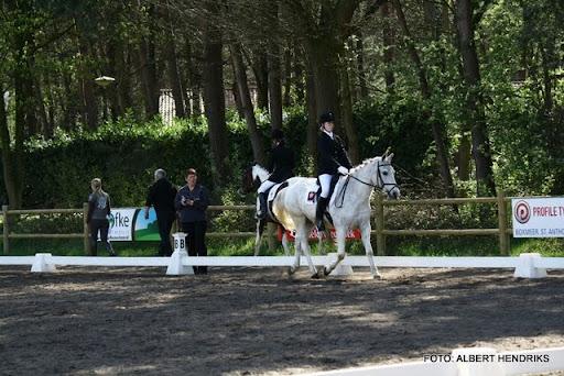 dressuurwedstrijd pony's overloon 09-04-2011 (25).JPG