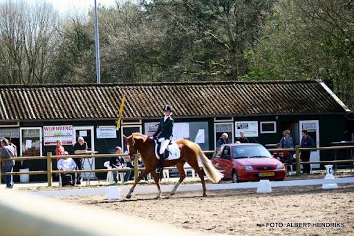 dressuurwedstrijd pony's overloon 09-04-2011 (26).JPG