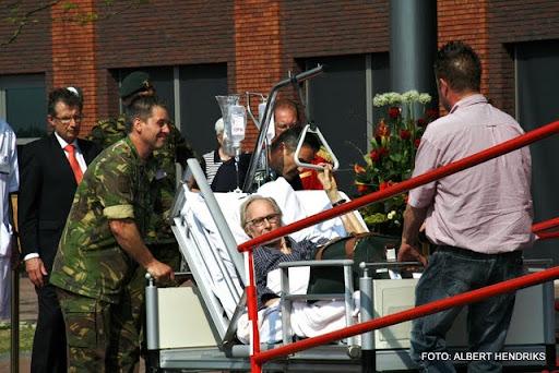 boxmeer verhuizen patienten maasziekenhuis 22-04-2011 (62).JPG