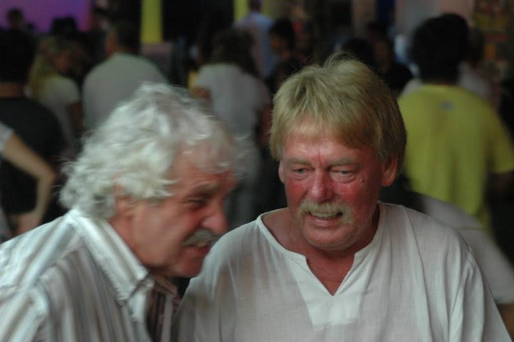 Старики, составляющее основное иностранное население Паттаи