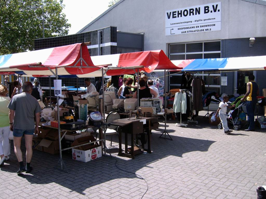 2005 - Rommelmarkt, 26-06 017.jpg
