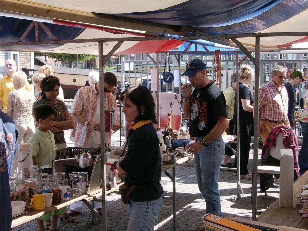 2005 - Rommelmarkt, 26-06 025.jpg