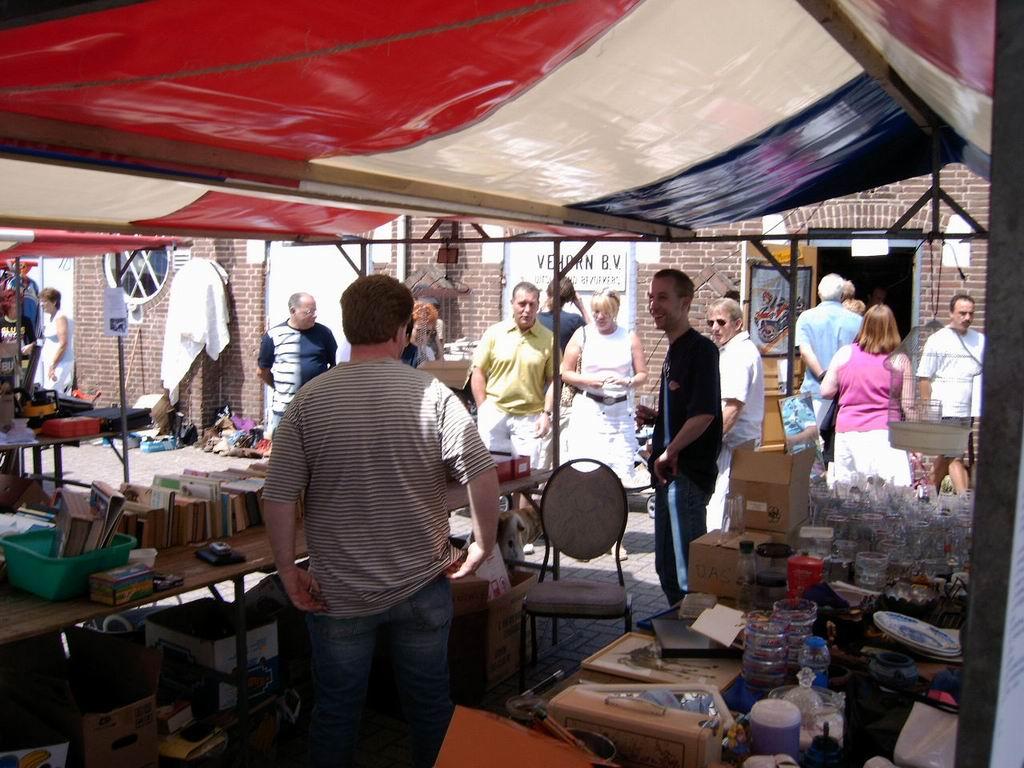 2005 - Rommelmarkt, 26-06 020.jpg