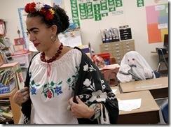 woman Frida_ghost_t440