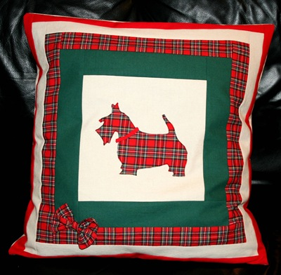 Scottie pillow done 001