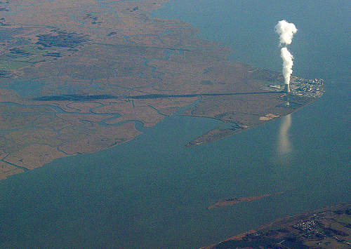 Salem Nuclear Power Plant, New Jersey. By Jim in Times Square, uploaded on 7 December  2007, via flickr