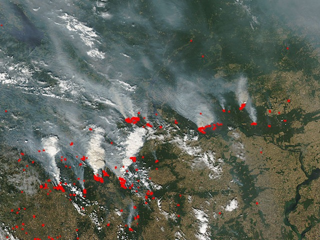 Fires and smoke in western Russia, 29 July 2010, viewed from the Aqua satellite. NASA / MODIS