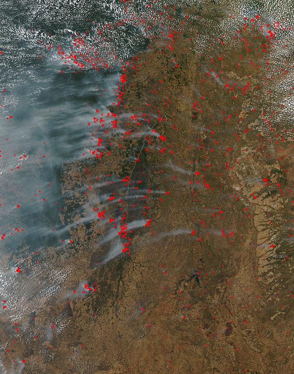 Fires in eastern Brazil, 2 September 2010 at 16:50 UTC. Satellite: Aqua, rapidfire.sci.gsfc.nasa.gov