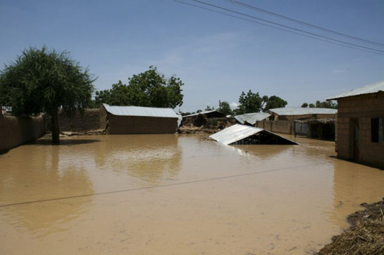 Homes submerged by the flooding in Sokoto State, Nigeria, 2010. © Chris Houston / MSF