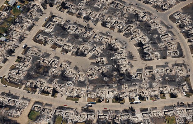 Aerial view of homes destroyed by a wildfire in the town of Slave Lake, Alberta. 17 May 2011. Photograph by: Ed Kaiser, Edmonton Journal