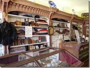 P1010084 Saint John magasin général
