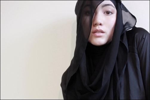 376__1100x800_hana-tajima-hijab-maysaa