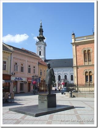 Statue of  Jovan Jovanović Zmaj and Saborna Crkva, Novi Sad