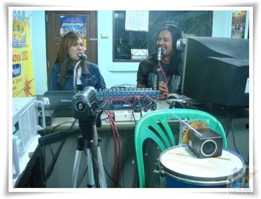 radio fm98.10 Mhz
