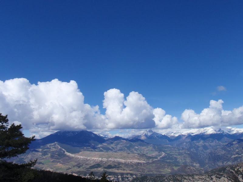 Cingles de Vallcebre i Pedraforca al fons