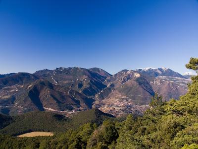 Rasos de Peguera, vall del riu de Peguera i Ensija