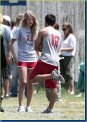 taylor-lautner-taylor-swift-valentines-day-13