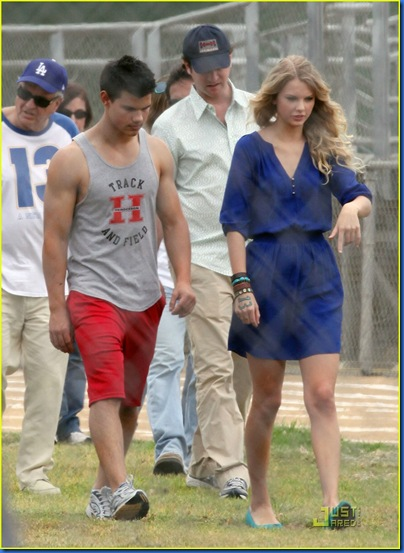 taylor-lautner-taylor-swift-valentines-day-21