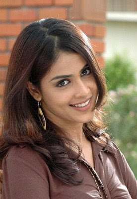 Beautiful-Woman-Genelia_D'Souza.jpg