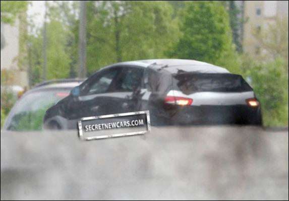 Flagra mostra a carroceria do futuro Citroën DS5