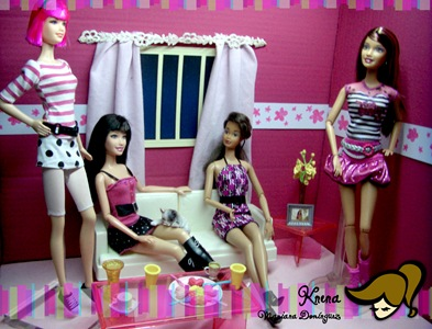 Dolls-in-Pink-Black-and-White