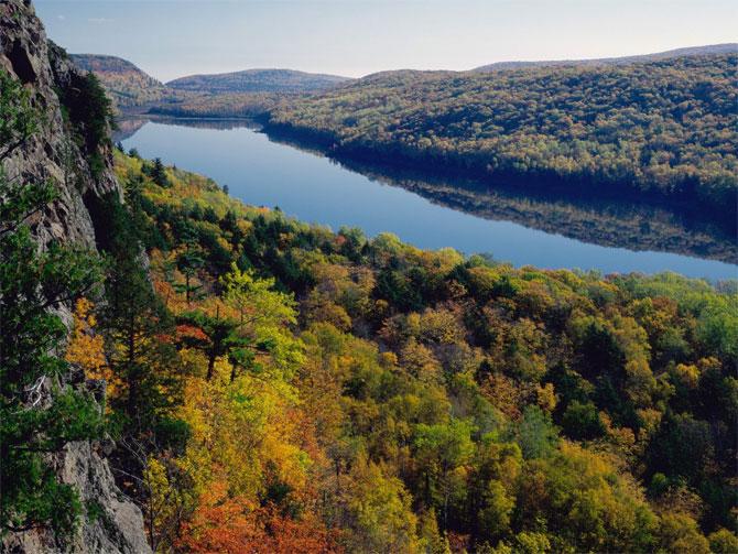 amazing lakes%20%2813%29 Wonderful Lakes Around the World