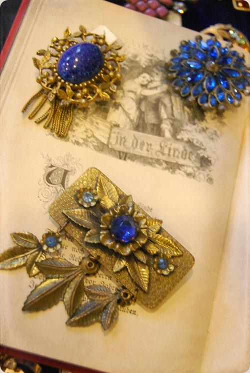 blue pin 3